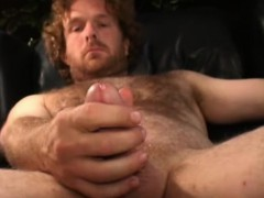 mature-amateur-joey-beats-off