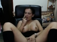 mother-almost-gets-caught-by-son-getting-nasty-on-livecam