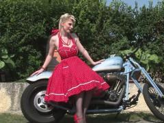 her-boyfriend-s-bike-made-her-very-horny