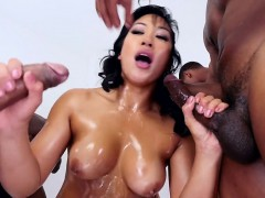 lovely-asian-cocksucking-in-bukkake-action