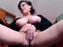 Busty Milf Plays Her Pussy
