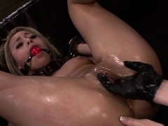 Hardcore Slavery For Bulky Ass Blondie
