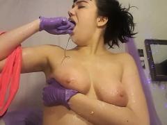 amateur-german-big-boob-brunette-shower-shave