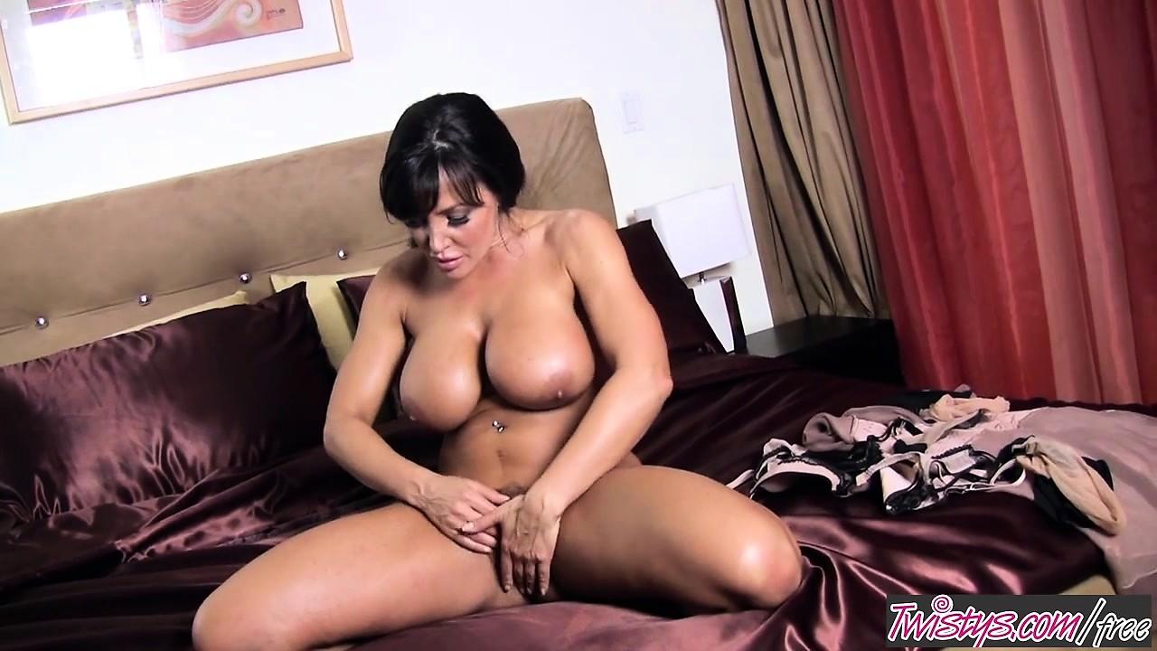 Hot Lisa Ann Pic twistys - lisa ann starring at hello hot moma @ drtuber