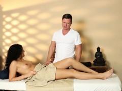 Massage Amateur Sucking Masseur Before Sex