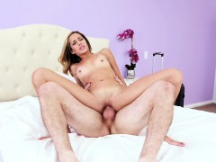 familystrokes-flashing-her-pussy-for-pervy-uncle