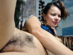 amateur-moonchristine-flashing-boobs-on-live-webcam