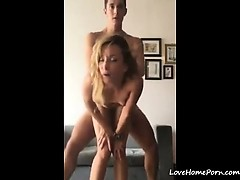 blonde-chick-knows-how-to-fuck-started-with-doggy-style-pov