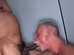 silver-bear-cumswallows-after-bare-fuck