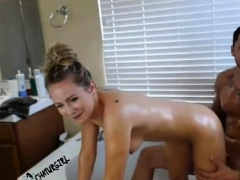cam-couple-on-live-from-bathtub-avi