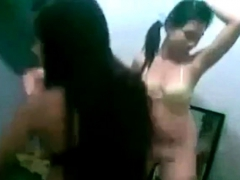 Indonesia Sexy Indo Chicks Dancing And Flashing