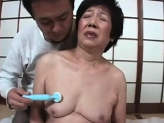 giving-pleasure-to-a-japanese-gilf