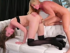 Stepmom And Teen Slut Oral And Fingering On The Couch