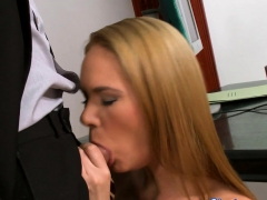 Cocksucking Babe Gets Double Penetrated