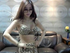 Korean Webcam Striptease