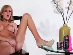 Brett Rossi Dildoes Pussy