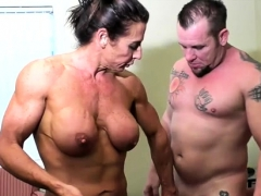 naked-female-bodybuilder-fucks-and-sucks-cock