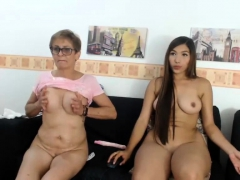 busty-granny-in-webcam