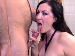 Amateur Ho Sucks In Orgy