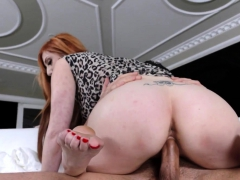 Redhead Gets Toes Cumshot