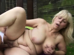 he-fucks-blonde-granny-in-the-changing-room
