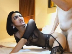 incredible-ladyboy-self-facial