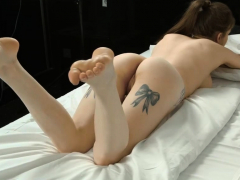 pretty-nympho-opens-up-pink-cunt-and-gets-deflorated92zut