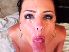 Babe Gives Sloppy Blowjob