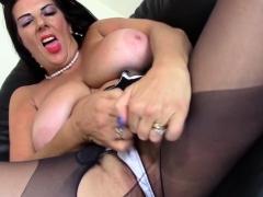 british-big-breasted-temptress-lulu-fingering-herself