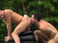 Big Dick Twink Outdoor And Cumshot