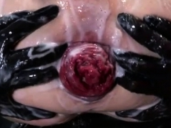 Pissing And Fisting Gay Bears Axel Abysse Crouches On A