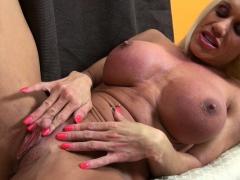 Female Muscle Pornstar Ashlee Chambers Huge Clit