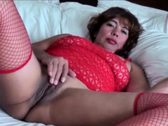 lynmilf-is-amateur-asian-mature-wife