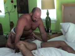 muscle-gay-oral-sex-and-cumshot