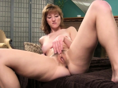 solo cutie likes to please her vagina HD