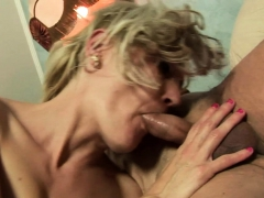 Milf Urinates In Mouth