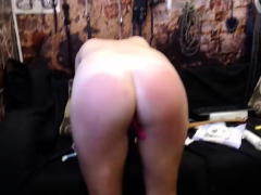 blonde teen toys muffin on webcam