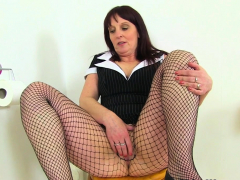 british milf ellen gets turned on in fishnet tights