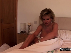 cheating british mature lady sonia shows her enormous24akt