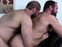 big-bears-flip-fucking-raw