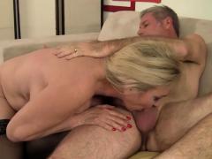 blonde granny cala craves fucks old dude