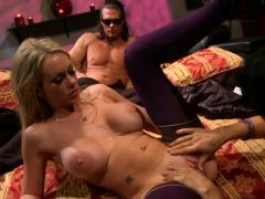 kinky milfs brooke and zoey share a dick HD