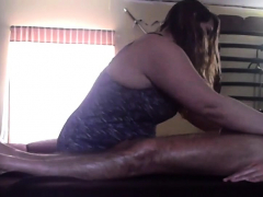 can-t-resist-sucking-cock-at-massage
