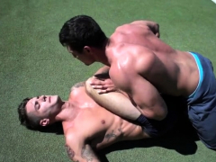 muscle-gay-bareback-and-facial