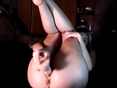 blonde-girl-strip-and-masturbate-on-webcam