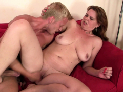 He picks up boozed big tits mature woman