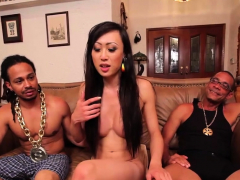 Asian tranny nailed by two giant cocks