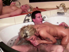 mother-and-step-daughter-at-pool-group-swinger-sex-german