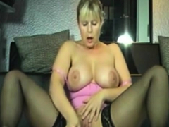 busty-milf-great-squirting