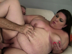 bella-knows-how-to-use-a-cock